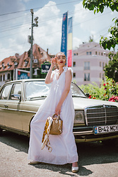 Andreea Birsan - Clear Lens Aviator Glasses, White Maxi Dress, Basket Bag, Beige Espadrilles - Maxi dress
