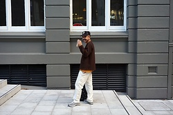 Dan Pantoja - Thrifted Vintage Brown Cardigan, Uniqlo Mustard Crew Tee, Stan Ray Natural Painter Pants, New Balance 990v4 Sneakers - INSTAGRAM - @danmpantoja Δ