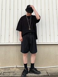 ★masaki★ - Gucci Necklace, Proclub 5xl Oversized Tee, Ch. Shorts, Nike Air Monarch - Black Fits Summer
