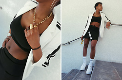 Yara Snow'z - Bershka White Blazer, Nike White Socks, Primark Golden Chain Necklace - WhiteBlazer & BlackSkirt