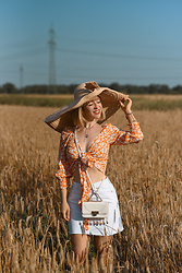 Esra E. - Bershka Wrap Top, Weat Mini Cross Body Bag, Mango Maxi Straw Hat - Late summer