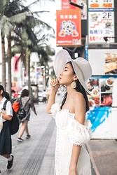 Ava Foo -  - White dress