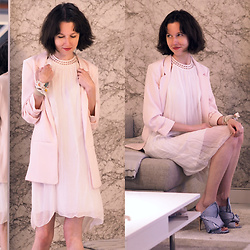 Claire H - H&M Rose Blazer, Vintage White Silk Dress, N°21 Striped Mules - Soft Pastels