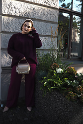 Anna Puzova - Mohito Sweater, Reserved Trousers, Faith Heels, Reserved Bag, H&M Headband - One Colour Outfit Ideas