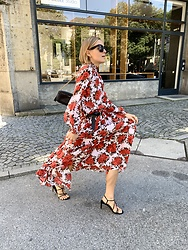 Anna Borisovna - Kate Sylvester Dress, Mango Shoes, Lutz Morris Bag, Céline Sunglasses, Massimo Dutti Belt - The Floral Dress