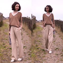 Claire H - H&M Knit, Lyvem Pants Harvey - Begining of Autumn