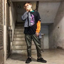 Gorbinzshe Gorbinzshe - A Bathing Ape T Shirt, Guess T Shirt, Uniqlo Pants, Levi's® Jacket, Hoka One Sneakers - Autumn