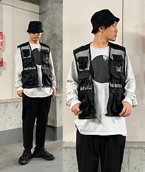 ★masaki★ - Rothco Military Vest, Kollaps Ssnmrkrn, Ch. Trousers, Adidas Ozweego - STREET CORE