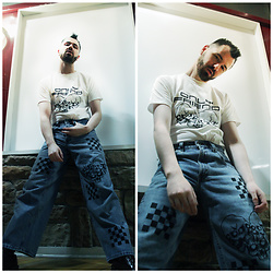 ⋆✞ david ross lawn ✞⋆ - Onlyfriend Custom Graphic T Shirt, Onlyfriend Custom Jeans, Doc Martens 1461 3 Eye Black - ʙ ᴏ ʏ