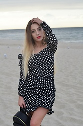 Aneta M - Femmeluxefinery Dress - SEASIDE #1