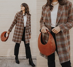 Tonya S. - Staud Moon Bag, Court & Rowe Coat, Khaite Jeans - PLAID FOR FALL