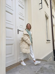 Aneta Kramarska - Zara Coat, Zara Knitwear, Reserved Glasses, Adidas - Neutral tones
