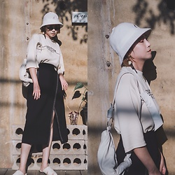 Petrina Hsieh - Kangol Bucket Hat, Zara Skirt - Cafe in Chiang Mai