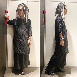 @KiD - Ch. Long Shirts, Black Triangle Design Fragile Osaka, Monochrome Hakama Pants, Dr. Martens 3 Hole - JapaneseTrash529