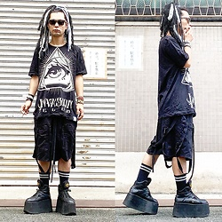 @KiD - Invasion Club Animason Tee, Komakino Bondage Shorts, Buffalo Platform Sneaker - JapaneseTrash530