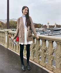 Nora Aradi - Na Kd Blazer, Frontrowshop Skirt, Charles & Keith Bag - Paris in the rain