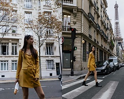 Nora Aradi - Na Kd Dress, Pull & Bear Boots - Autumn in Paris