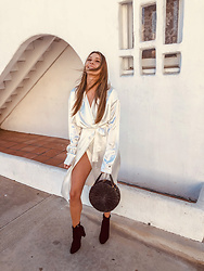 K-laa White - Baja East Pearl Drop Trench, Steve Madden Bang Black Suede - Smile like you mean it