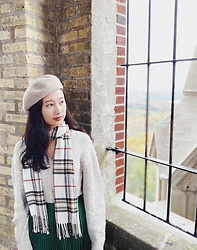 Jade Zhu - Aritzia Sweater, Burberry Scarf, Club Monaco Pleated Skirt - Get Ready for Autumn