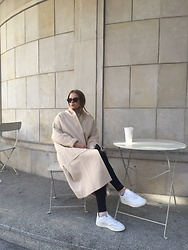 Aneta Kramarska - Mango Coat - Coffee time