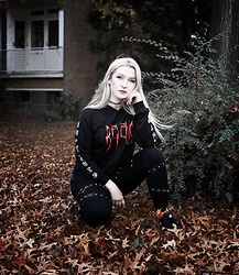 Joan Wolfie - Revenge Hoodie, Leggings, Flame Socks - SOFT GRUNGE // Joan Wolfie