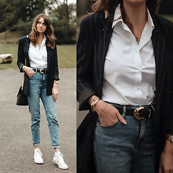Audrey - Uniqlo Shirt, H&M Jeans, Converse Sneakers, Pimkie Blazer, Mango Belt - Casual fall outfit