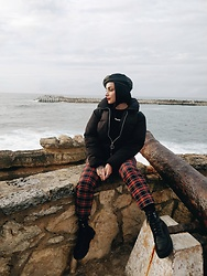 Priska Gomez - Stradivarius Faux Leather Beret, Pull & Bear Black Puffer Jacket, Zara Plaid Pants, Pull & Bear Platform Boots - Quiet Storm