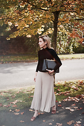 Daniella Robins - Mango Mules - The Minimalist Approach To Autumn Style