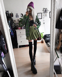 Kimi Peri - Yesstyle Plaid Skirt, Demonia Camel 203 Platform Boots, Yesstyle Purple Beanie, Crescent Moon Necklace, Lace Overknee Socks, Yesstyle Plaid Blazer, Vintage Bag, Femme Luxe Pvc Top, Ghibli Choker - Green & Purple