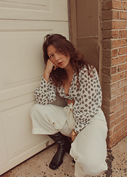Mariamma Iris - Urban Outfitters Cropped Blouse, Zara Wide Leg Pants, Nine West Vintage Square Toe Boots - Autumn