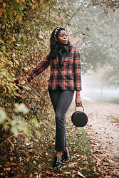 PAMELA - Ralph Lauren Plaid Blazer, Boohoo Bow Tie Neck Blouse, Nine West Oxfords, Stradivarius Headband - Holiday Prints