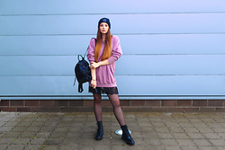 OH ANNE (BLOGGER) -  - COZY OUTFIT: BEANIE, OVERSIZE SWEATER, SPITZENKLEID & BOOTS