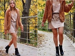 Mr_Nice_Guy__ Anastasiia Cherepnina - Batigel Boutique Teddy Bear Jacket, Oysho Sleep Dress, Ekonika Black Ankle Boots - It's cold, but all the party vibes are here