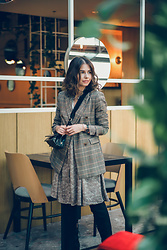 Paulina Rudnicka -  -  leopard dress and plaid jacket