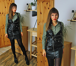Jointy&Croissanty © -  - Leather dress