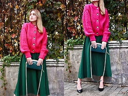 Mr_Nice_Guy__ Anastasiia Cherepnina - H&M Pink Knit, Shein Green Dress, Guess Pointy Heels, Cromia Bag - Color blocking