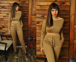Jointy&Croissanty © - Femmeluxefinery Loungewear Set - Camel loungewear set