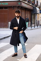 Ruben Vaquero - Mango Coat, House Of Cards Shoes, Levi's® Jeans - 👨🏻
