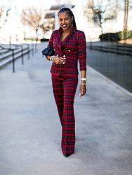 Merel Wesseldijk -  - Red plaid outfit