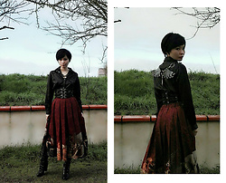 Nowaki Selenocosmia - The Classic Of Mountains And Seas Lolita Skirt, Your Higness Buckle Wings, Belt - 21th century Warrior