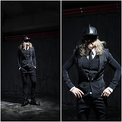 INWON LEE - Byther Stud Custom Jacket, Byther Stud Custom Tie, Byther Pants - Classic suit and Studded Cap