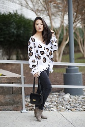 Kimberly Kong - Aeropostale Distressed Jeggings, Gigi New York Abigail Crossbody Bag - Win a $400 Gift Card to GiGi New York!