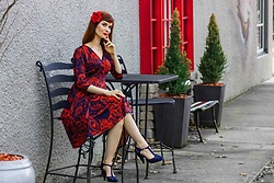 Bleu Avenue - Karina Megan Dress In Passport Navy Blue And Red Paisley - Resort Wear Passposrt