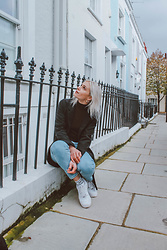 Saule S - Zara Mom Jeans, H&M Burgundy Polo Neck, Nike Air Force, Primark Chunky Hoops, H&M Midi Black Coat - Less is more..