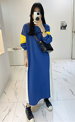 Miamiyu K - Miamasvin Color Blocked Long Sweatshirt Dress - Color of the Year