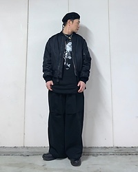 ★masaki★ - Rothco Beret, Spiwak 90's Bomber, Komakino Sweater, Komakino Wide Pants, Vitaly Padlock Necklace - All Black Everything