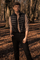 Georg Mallner - Uniqlo Vest, H&M Pullover, Topman Pants - January 17, 2020