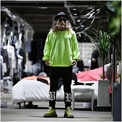 INWON LEE - Byther New York Scotch Reflective Loose Fit Sweatshirt, Byther Long Sweatpants - Bright Day for Neon Sweatshirt