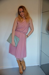 Sarah M - Think Twice Dress, Primark Clutch, Cafeina Wedge Boots - Pik & Mint