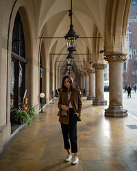 Julia K. Kowalska - Gucci Bag, Zara Blazer, Muji Trousers, Common Projects Trainers - Beautiful city